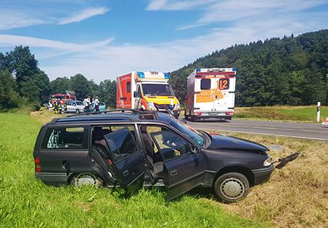 2016-08-07_Wenden_Brün_Vu_6_Verletzte_Twingo_Gegenverkehr_(c)_Mg (4)
