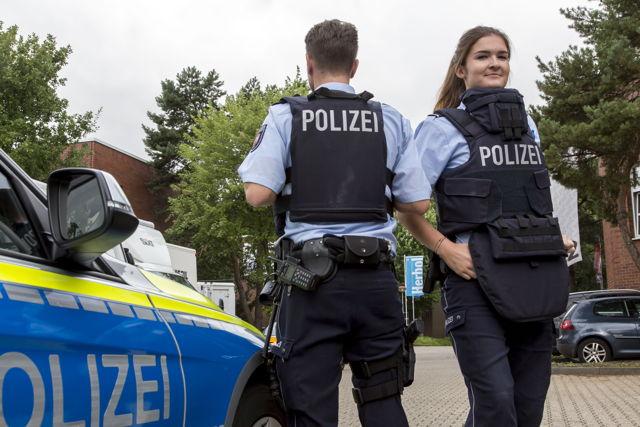 2016-08-08_Düsseldorf_NRW-Polizei bekommt 10.000 Hightech-Schutzwesten_Foto_MIK_04