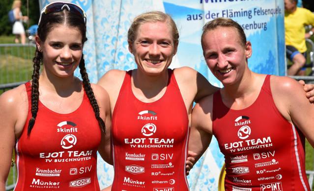 Foto vom letzten Ligawettkampf in Verl: Lea Mergener, Franzi Maschke, Ellen Knoepke hinzu kommt noch Dorothea Pieck. (Fotos: Hartmut Hoffmann)