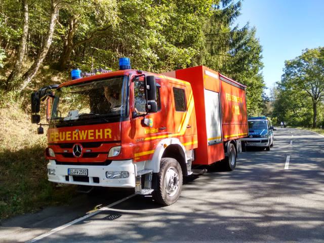 2016-08-26_Netphen_B62_VUP_Motorrad auf Feuerwehrwagen gefahren_Foto_Hercher_08