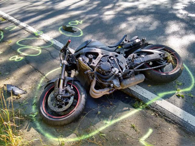 2016-08-26_Netphen_B62_VUP_Motorrad auf Feuerwehrwagen gefahren_Foto_Hercher_09