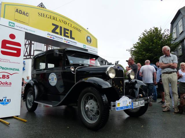Das älteste Fahrzeug brachten Andreas und Gudrun Beul aus Haiger an den Start. Ihr Ford A aus dem Jahre 1930 hat 29 Pferdestärken unter der Haube.
