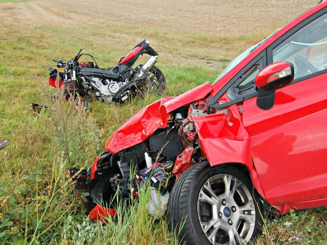2016-08-29_Hohenahr-Großaltenstädten_Motorradfahrer stirbt nach Zusammenstoß mit Pkw_Foto_Fritsch_01