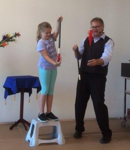 Bibliothek - Zaubershow nach Abschluss  Junior-Lese-Club