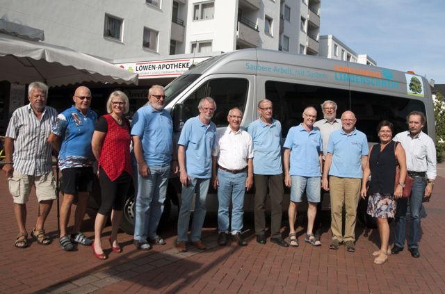 Kreuztaler Ratsmitglieder von Bündnis 90/Grüne informieren sich über den Bürgerbus (Foto: privat)